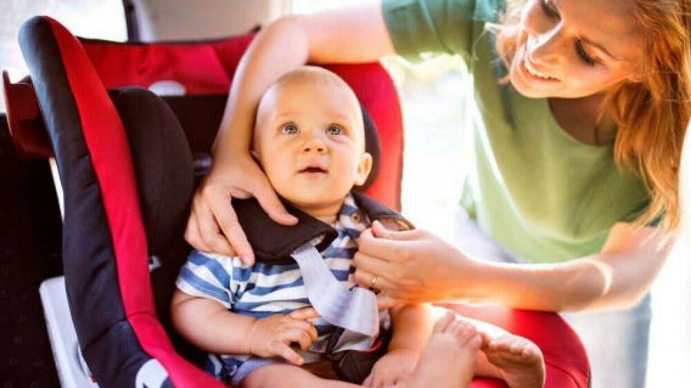 Kinder im Auto sichern: So machen Sie es richtig