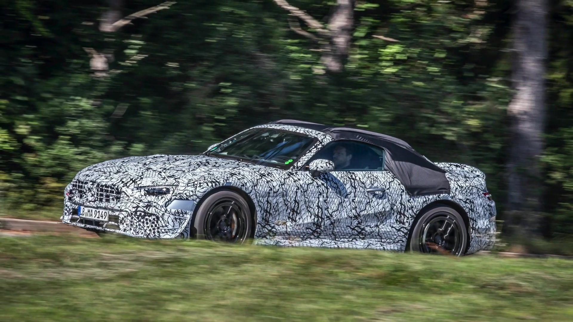 Vorserienfahrzeuge des neuen Mercedes-Benz SL Roadster starten zu ausführlichen Straßentests