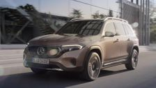 The new Mercedes-Benz EQB Driving Video