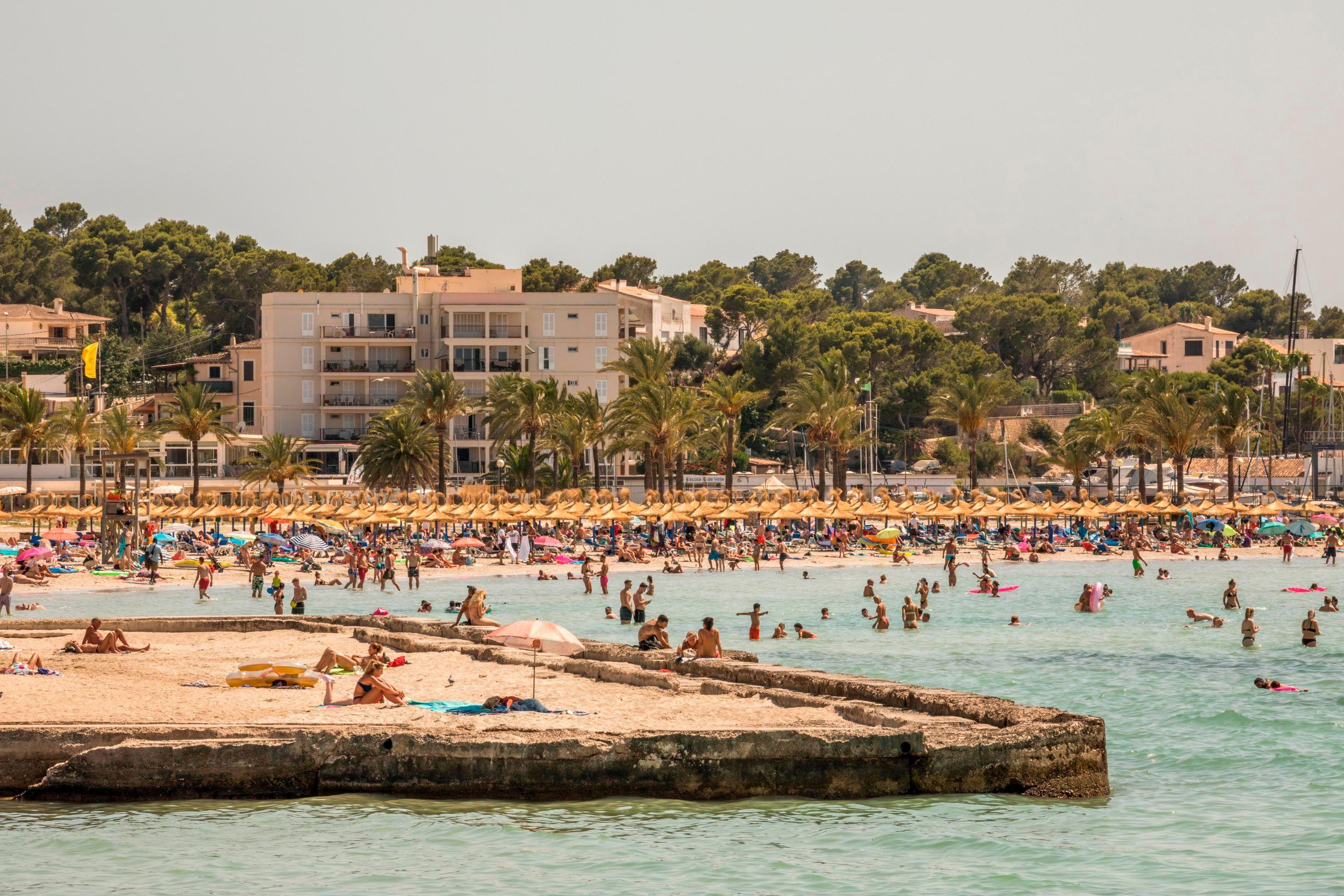 Immer mehr Deutsche stecken sich im Urlaub mit Corona an: Spanien besonders betroffen