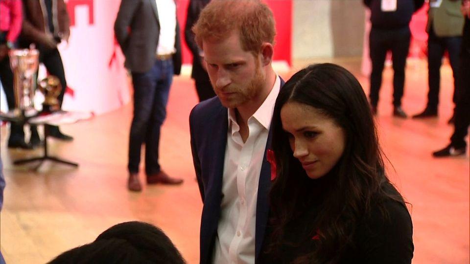 Kahlschlag bei den Royals: Harry und Meghan entlassen 15 Mitarbeiter