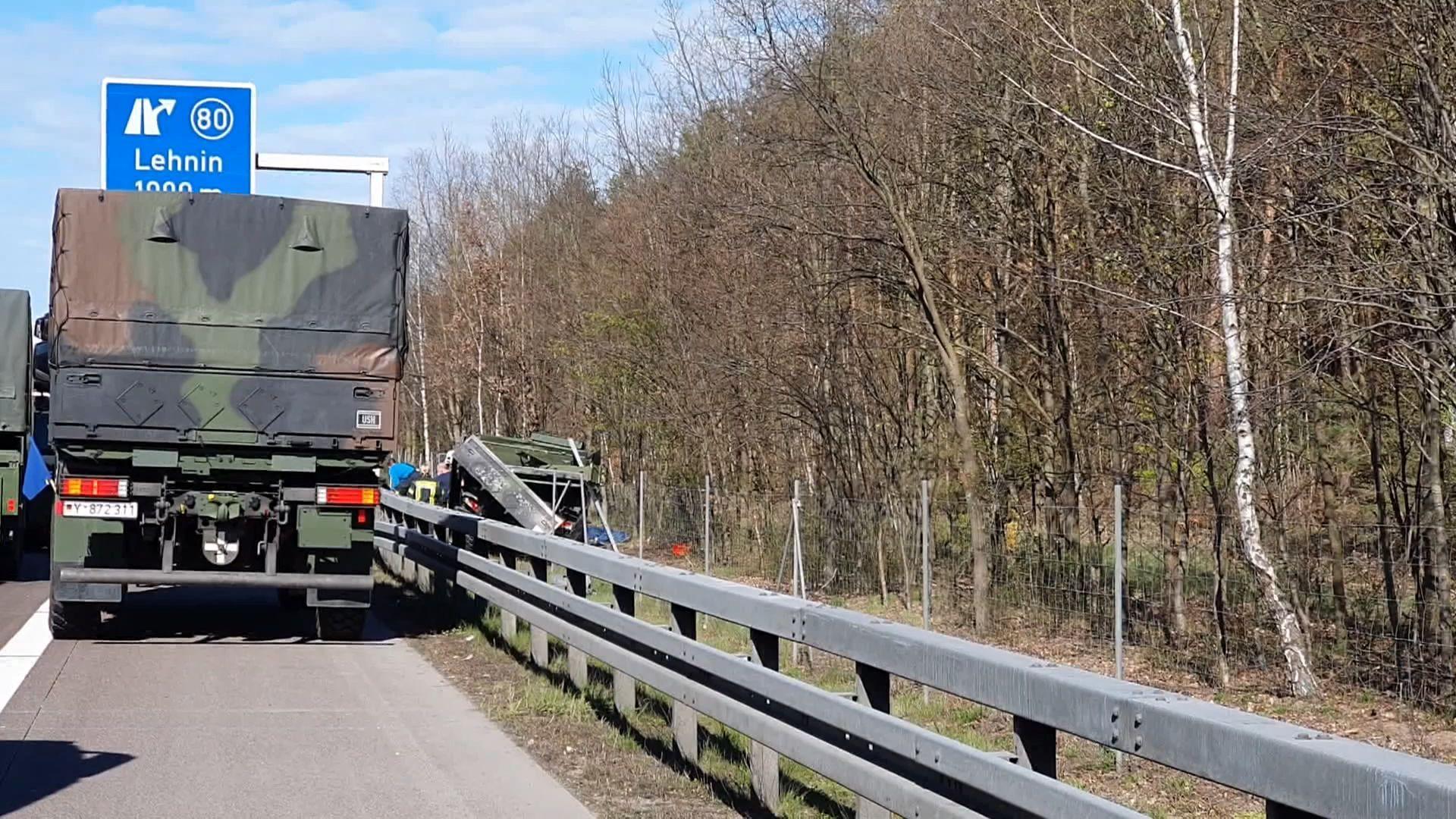 Zwei Bundeswehrsoldaten bei Unfall auf der A2 getötet