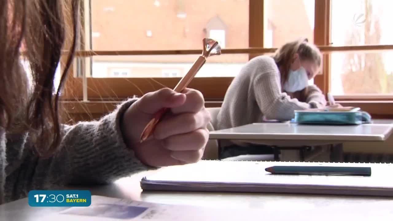 Endlich wieder im Klassenzimmer: Lockerungen an Bayerns Schulen