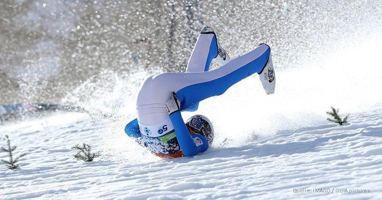 Horror-Sturz beim Skispringen: Weltmeister mit Hubschrauber abtransportiert